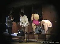 Lo154# Voyeur video from locker room