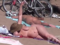 Nu1706# Woman with big tits put her body under the rays of the sun. Although she is not very young
