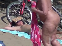 Nu1699# Nowhere else you will not see so many interesting things, like on a nudist beach. Watch it