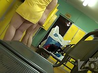 Lo1898# In the women's locker room is always a lot of different women. In this video, we can admire