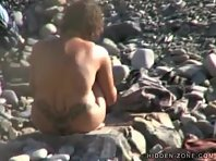 Nu140# Voyeur video from nude beach