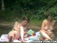Nu212# Voyeur video from nude beach