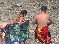 Nu1468# Chic girl's body look great in the sun. Nude beach voyeur cam tries not to miss a single d