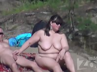 Nu1674# This couple on the beach completely lost the shame. Woman right in the sight of all caress