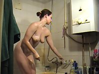Sexy Gal Showers and Shaves