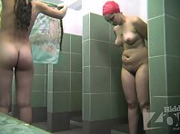 Sh2001# We continue to admire young girls. One of them came out of the shower and came close to the