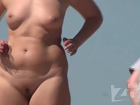 Nu1481# Focus on Nude beach voyeur cam another nudists. It can not be called young, but the body i