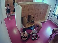 Lo1832# A large number of women filled the locker room. Among them there are young and beautiful. Th
