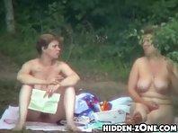 Nu235# Voyeur video from nude beach