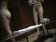 Lo129# Voyeur video from locker room