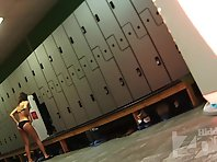 Lo1478# Hidden camera in the locker room of sports club. Naked beauty comes in tanning booths. Our