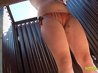 Bc1478# This girl is very nice round breasts, so you want to touch and touch. We also see her puss