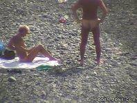 Nu132# Voyeur video from nude beach