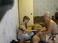 Sp1299# Taking off her clothes one by one they were doing him blowjob