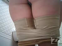 Wc2834# Fat woman in blue shorts pee sitting. Big ass and shaved pussy were caught in the lens of ou