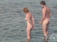 Nu1900# The red-haired beauty and her friend went swimming. The girl is slim and beautiful. Her ass