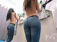 Sp2206# In the fitting room, a new visitor. The long-haired brunette immediately tried on blouses. H
